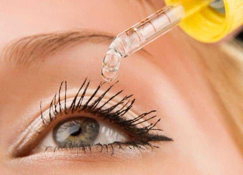 Dung dịch dưỡng mắt chỉ có tác dụng chống khô mắt tạm thời chứ không phòng ngừa, điều trị bệnh về mắt