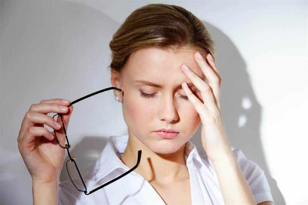 Hãy để đôi mắt của bạn được nghỉ ngơi sau 2 - 3 giờ làm việc