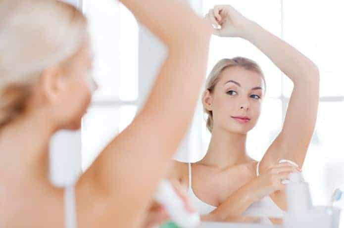 Secret Khử mùi & ngăn tiết mồ hôi dưới cánh tay đến 48h
