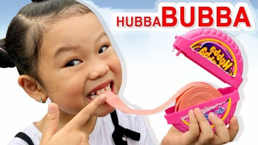 Kẹo gum kéo Hubba Bubba Bubble thích hợp cho cả người lớn và trẻ em
