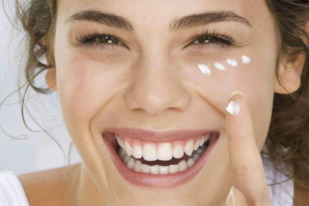 Hãy cung cấp đầy đủ ẩm để chống lão hóa da